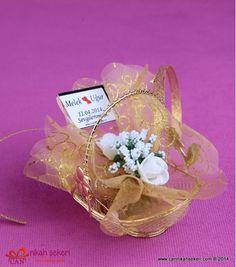 Sepet Nikah Şekeri MT13  #nikahsekeri #cannikahsekeri #wedding #weddingcandy #gift #istanbul #bride #gelinlik #dugun #dugun #davetiye #seker #love #animals #fashion #followme #life #me #nice #fun #cute @cannikahsekeri Wedding Candy, Istanbul, Bride, Cute, Gifts, Animals, Fashion, Wedding Bride, Moda
