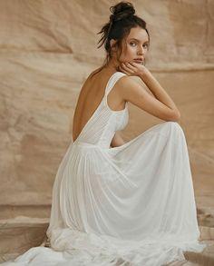 @wetalkweddings • Instagram photos and videos Backless Wedding, Wedding Dress Styles, Bridal, Beautiful, Instagram, Videos, Photos, Fashion, Moda