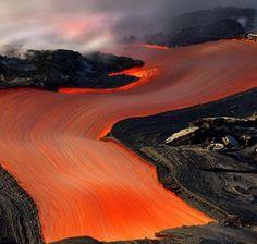 Dieser Fluss aus Lava ist so schön, dass Du ihn am liebsten anfassen willst:   23 Fotos, die Dich mehr befriedigen, als Dir lieb ist