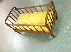 PARA PINTAR Y RECICLAR $350 DOLARES Antiguo-Nogal-Jenny-Lind-Husillo-Cama-De-Bebe-Cuna-crib-vintage