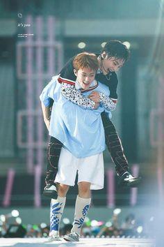 Xiumin x Mark. Young and Free Chanyeol, Kyungsoo, Taeyong, Jaehyun, Nct 127, Kpop, Kim Jong Dae, Kim Minseok, Xiuchen