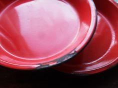 Fabulouse Farmhouse RED ENAMEL Pie Tins via Etsy.