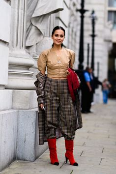 The Best Street Style From London Fashion Week Fashion 2017, London Fashion, Fashion Outfits, Fashion Trends, Fashion Weeks, Womens Fashion, Female Fashion, Fashion Inspiration, Street Style Trends