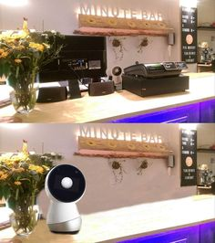 Hey Jibo are you allergic to flowers ? ;-) Before (now) - After (near future)  #Jibo #MinuteBar