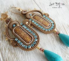 If you've purchased jewelry, it's important to take the time to take care of it. Just a little effort can make even a simple piece of jewelry last for a long time. Gold Bridal Earrings, Beaded Earrings, Handmade Necklaces, Handmade Jewelry, Jewelry Accessories, Jewelry Design, Soutache Jewelry, Polymer Clay Charms, Jewelry Crafts