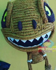 Un pequeño T-Rex para fiesta temática de Parqué Jurásico. Y preparen sus pedidos para Halloween. #PersonalizaTuPiñata