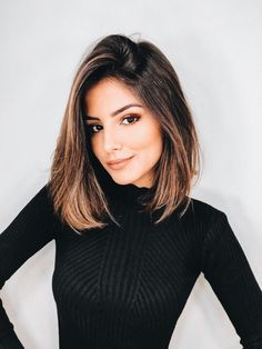 10 Stylish Lob Hairstyle Ideas, Best Shoulder Length Hair for women 2019 – Fotoshooting Haare… 5 Must-Have Herbst Essentials problemlos Gesundes Wolle Spüren Sie die … Medium Hair Cuts, Medium Hair Styles, Curly Hair Styles, Medium Cut, Blunt Bob Medium, Medium Long, Lob Hairstyle, Hairstyle Ideas, Hair Updo