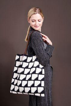 Molla Mills Crochet Bag in Lamana - PDF. From knitting & crochet yarn and patterns to embroidery & cross stitch supplies! Cute Crochet, Crochet Yarn, Knitting Yarn, Easy Crochet, Crochet Clutch, Crochet Purses, Crochet Doilies, Tapestry Bag, Tapestry Crochet