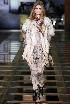 Roberto Cavalli Fall 2010 Ready-to-Wear Fashion Show - Lisanne De Jong