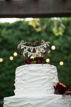 Rustic cake topper Best Friend Wedding, Sister Wedding, Wedding Fun, Wedding Stuff, Wedding Cakes, Destination Wedding, Wedding Planning, Wedding Ideas, Rustic Weddings