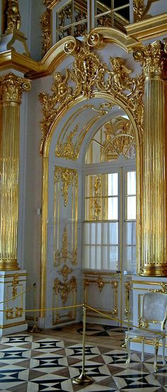 Palace interior ~ royal residence of Empress Catherine in Pushkin, Russia Architecture Design, Beautiful Architecture, Beautiful Buildings, Beautiful Places, Catherine La Grande, Plafond Design, Home Modern, Design Living Room, Catherine The Great