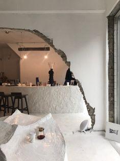 Coffee Shop Interior Design, Coffee Shop Design, Interior Architecture, Interior And Exterior, Ceramic Cafe, Cafe Concept, Hallway Decorating, Looks Cool, Retail Design