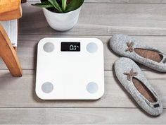 Yunmai Mini Bluetooth Smart Scale by Yunmai Smart Scale, Best Scale, Body Fat Measurement, Apple Health, Mary I, Touch Lamp, App Support, Health App, Ios 7