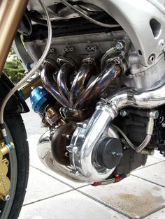 Turbo Hyabusa engine. When too much is not enough. I want one