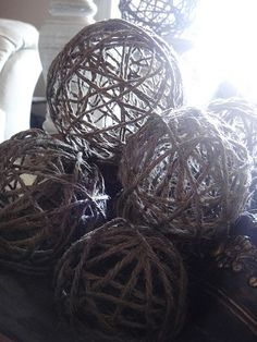 DIY jute balls: way cheaper than buying them in the store! Round balloons, jute twine, and fabric stiffener or glue. Burlap Christmas, Christmas Crafts, Christmas Decorations, Holiday Decor, Nautical Christmas, Ball Decorations, Birthday Decorations, Jute Crafts, Diy And Crafts