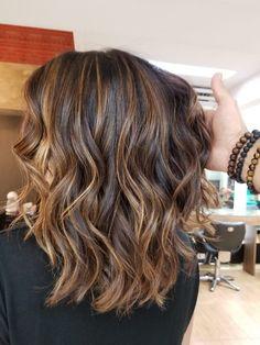 New fall ombre hair brunette short Ideas Ombre Hair Brunette, Balayage Brunette, Balayage Hair, Cabelo Log Bob, Medium Hair Styles, Curly Hair Styles, Shoulder Length Hair, Mi Long, Hair Highlights