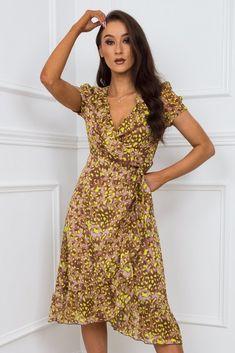 Pretty Summer Dresses, Summer Dresses For Women, Cute Dresses, Cute Wedding Dress, Yellow Pattern, Becca, Wrap Dress, Cool Outfits, Curvy