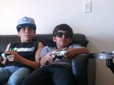 cameron boyce and his family | ... hard on Cameron's XBox 360!!!!! Cameron's so attached to it