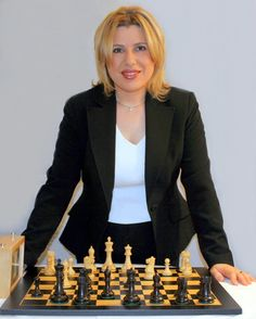 Susan Polgár: b. Susan Pol Polgár gar is a Hungarian chess Grandmaster. Child Prodigy, Olympic Medals, Chess Players, Sport Icon, Great Women, The Martian, Women In History, Famous Women, World Championship