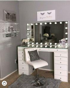 40 Kreative DIY-Make-up-Vanity-Design-Ideen die Inpire sind Creative Makeup Look. - 40 Kreative DIY-Make-up-Vanity-Design-Ideen die Inpire sind Creative Makeup Looks die DIYMakeupVanityDesignIdeen Inpire kreative sind Room Ideas Bedroom, Bedroom Decor, Design Bedroom, Bed Design, Bed Room, Bedroom Furniture, Vanity Room, Vanity Decor, Vanity Set