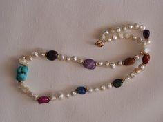 ΦΩΤΕΙΝΗ ΜΑΜΑΛΗ  ΧΕΙΡΟΠΟΙΗΤΑ ΚΟΣΜΗΜΑΤΑ: Κολιέ με μαργαριτάρια και αχάτες! Beaded Bracelets, Jewelry, Fashion, Moda, Jewlery, Jewerly, Fashion Styles, Pearl Bracelets, Schmuck