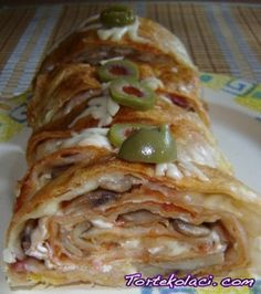 rolovana pizza Pita Pizzas, Serbian Recipes, Cheese Pies, Appetizer Dips, Garlic Bread, Cake Recipes, Food And Drink, Cooking Recipes, Baking