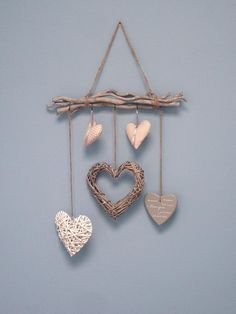 Bought sticks at the Intratuin and collected different hearts. - Bought sticks at the Intratuin and collected different hearts. All hearts hung with a rope and you - Twig Crafts, Heart Crafts, Diy Home Crafts, Diy Arts And Crafts, Diy Home Decor, Crafts For Kids, Driftwood Projects, Driftwood Art, Valentine Crafts