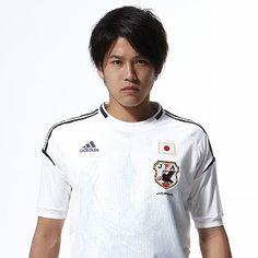 「ユニフォーム デザイン サッカー選手」の画像検索結果