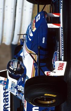 """2018/10/6: Twitter: @LegenF1: """"@HillF1, Rothmans Williams FW18 - Renault RS8 3.0 V10. GP Japón 1996. #F1 Damon Hill, Formula One Champions, Williams F1, Formula 1 Car, F1 Racing, Indy Cars, First Car, Race Day, F 1"""