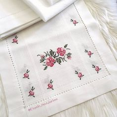 Embroidery Fashion, Hand Embroidery, Needlework, Cross Stitch, Sketches, Drawings, Instagram, Cross Stitch Borders, Embroidered Towels