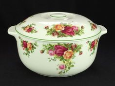 Royal Albert Old Country Roses 2 Pint Lidded Casserole Dish VGC