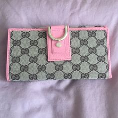 Gucci wallet Brand new. Never used Gucci Bags Wallets