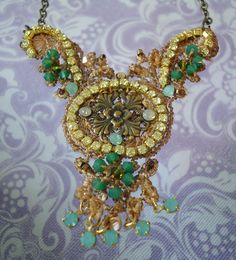 Green Beige Lace Necklace