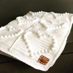 Bobble heart blanket, gehaakte deken, haakpatroon te vinden op mijn blog