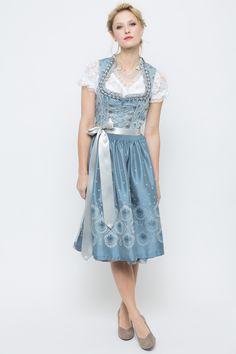 http://www.ludwig-therese.de/damen/dirndl/midi-dirndl/midi-dirndl-felizia-blau-flieder.html