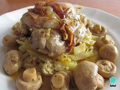 Aprende a preparar pollo con champiñones y patatas con esta rica y fácil receta. Disfruta de un rico estofado de pollo con champiñones con RecetasGratis. Nos gusta...