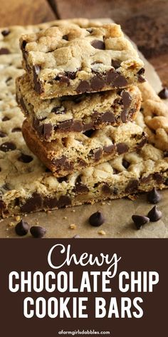 Chewy Chocolate Chip Cookie Bars from. Chewy Chocolate Chip Cookie Bars from afarmgirlsdabbles - A quick and easy chocolate chip cookie recipe baked in a pan. No mixer and no chilling. Youll love how soft and buttery and chewy these are! Quick Chocolate Chip Cookies, Chocolate Chip Bars, Chocolate Chocolate, Homemade Chocolate, Quick Chocolate Desserts, Chocolate Chip Recipes, Brownie Cookies, Chocolate Frosting, Chocolate Cupcakes