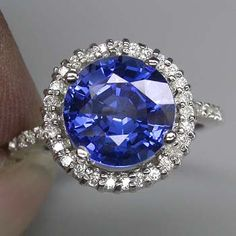 4 Carat  Blue Sapphire Ring..#Rings #Jewelry #SapphireRing | For more beautiful rings see:        	http://www.ringsoftheworld.com/