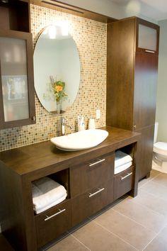 Vanité 042 Washroom Design, Kitchen Room Design, Bathroom Design Luxury, Home Interior Design, Armoire Design, Bedroom Built In Wardrobe, Washbasin Design, Guest Bathroom Remodel, Home Entrance Decor