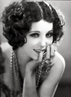 ~The Darling Homemaker~: 1920s Bob Haircut