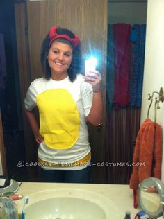 Last-Minute Homemade Deviled Egg Costume... This website is the Pinterest of costumes