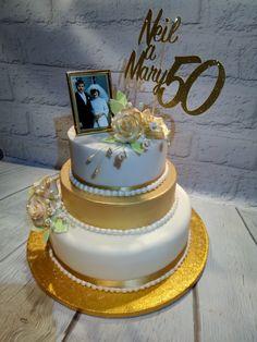 Golden Wedding cake Wedding Cakes, Desserts, Food, Tailgate Desserts, Meal, Wedding Pie Table, Dessert, Eten, Meals