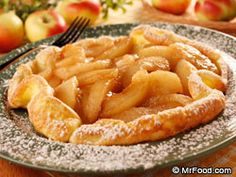 Dutch Apple Pancakes In Holland, these fluffy pancakes are often served with a variety of both savory and sweet fillings. Our wholesome Dutch Apple Pancakes are perfect for breakfast, brunch or a novel dessert. Apple Recipes Easy, Amish Recipes, Dutch Recipes, Waffle Recipes, Fruit Recipes, Dessert Recipes, Desserts, Pancake Recipes, Party Recipes