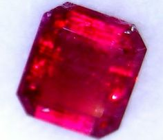 RED beryl  UTAH gia CERTIFIED  2.82 CTS