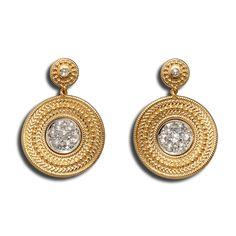 #Pendientes en #Oro Amarillo y Blanco con #Diamantes Talla Rosa #Diamonds #Gold #Earrings #Aretes #Fashion #Moda #Trendy #Carreraycarrera #Joyas #Jewelry