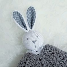 This is one of my first written patterns and it became very popular in sweden. A cute rabbit with fabric in the ears and a cozy star blanket. Crochet Animals, Crochet Toys, Crochet Baby, Knit Crochet, Crochet Lovey Free Pattern, Star Blanket, Maila, Crochet For Kids, Doll Patterns