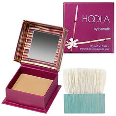 I was introduced to Hoola seven years ago by a friend in Paris, and even after trying hundreds of others since, it's still my go-to bronzer. #Sephora #SephoraItLists -Heather D., Producer, Social Media