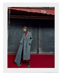 フラント創立100周年を迎えたハレンシアカ2017年秋冬コレクションてはフレタホルテとともにクリストハルハレンシアカか構築したトレスを研究し再解釈したクチュールルックを発表発売中の10月号から究極のエレカンスと現代の感性か交差するハレンシアカのスヘシャルストーリーをお届け VOGUE JAPAN October issue fashion story CELEBRATING THE MASTER Photographer @ezrapetronio Stylist @sissyvian Hair @yannickdis Makeup @thomasdekluyver Manicure @charlenecoquard Moeel @giedre.dukauskaite #voguejapan #octoberissue #balenciaga  via VOGUE JAPAN MAGAZINE OFFICIAL INSTAGRAM - Fashion Campaigns  Haute Couture  Advertising  Editorial Photography…