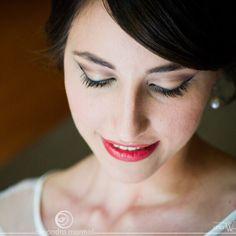 Aprende a maquillar novias con nuestros cursos y Masterclass de maquillaje. Mar Martínez te enseñará a sacar lo mejor de ellas.