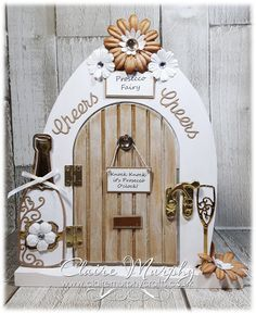 Door Crafts, Frame Crafts, Crafts To Do, Hobbies And Crafts, Diy Fairy Door, Fairy Doors, Polymer Clay Christmas, Fairy Crafts, Create And Craft
